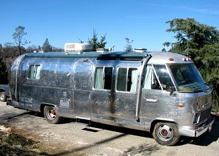 Click image for larger version  Name:20090319 - Airstream Trailer - Purchased.jpg Views:155 Size:138.3 KB ID:77177