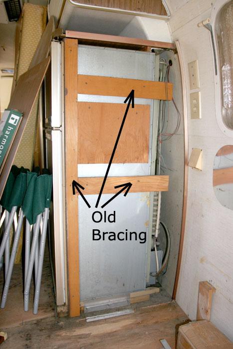 Click image for larger version</p><br /><br /> <p>Name:IMG_8837 fridge side-bracing-s.jpg<br /><br /><br /> Views:54<br /><br /><br /> Size:109.4 KB<br /><br /><br /> ID:77320