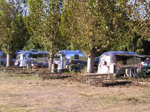 Click image for larger version  Name:airstreams118.jpg Views:69 Size:72.8 KB ID:77402