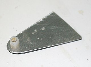 Click image for larger version  Name:IMG_8886 hinge plate-s.jpg Views:295 Size:82.1 KB ID:77589