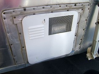 Click image for larger version  Name:airstream water heater newer style.jpg Views:105 Size:237.4 KB ID:77760