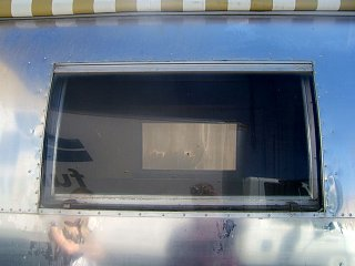 Click image for larger version  Name:airstream window shot.jpg Views:86 Size:164.7 KB ID:77767