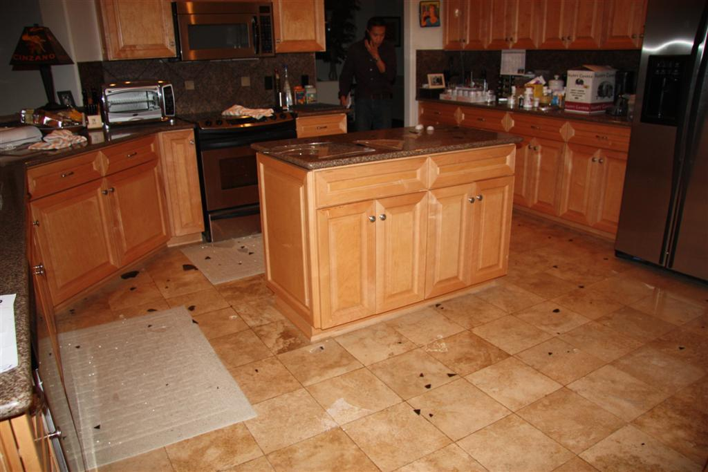 Click image for larger version  Name:08 all melted and wet the floor (Large).jpg Views:89 Size:94.2 KB ID:77819