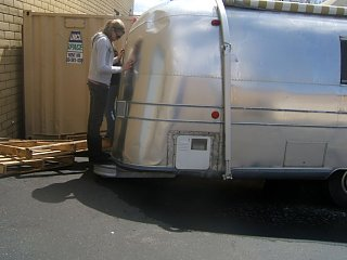 Click image for larger version  Name:airstreamdannibumper.jpg Views:92 Size:151.3 KB ID:77941