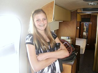 Click image for larger version  Name:airstream danni inside.jpg Views:128 Size:179.7 KB ID:77969