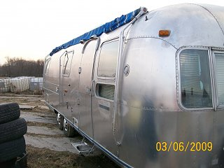 Click image for larger version  Name:1972 Airstream 002.jpg Views:85 Size:196.3 KB ID:78020