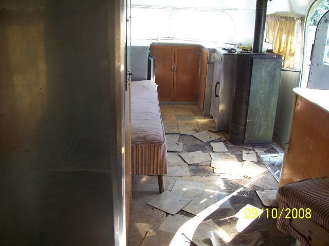 Click image for larger version  Name:Floor before.jpg Views:118 Size:47.8 KB ID:78123