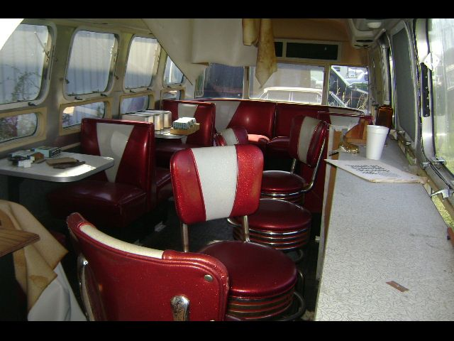 Click image for larger version  Name:Air Diner 1.jpg Views:98 Size:74.0 KB ID:78138