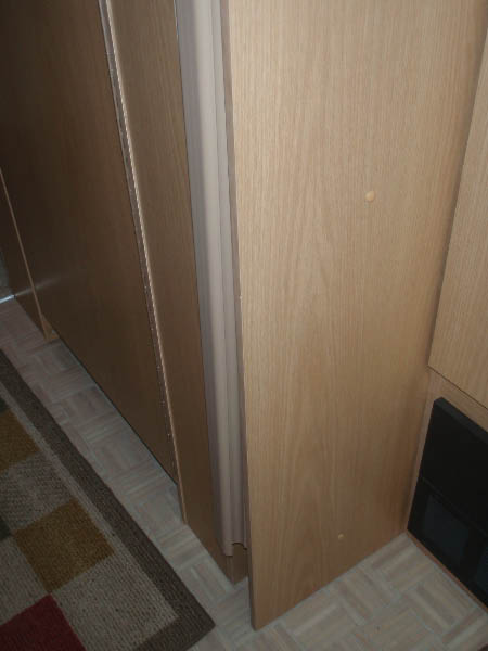 Click image for larger version  Name:Door edge warped.jpg Views:103 Size:31.5 KB ID:78257
