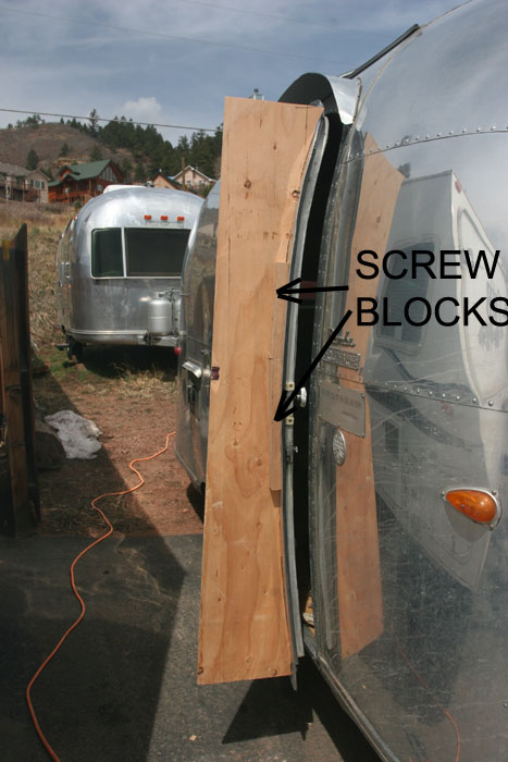 Click image for larger version  Name:IMG_8969 screw blocks-s.jpg Views:86 Size:99.8 KB ID:78530