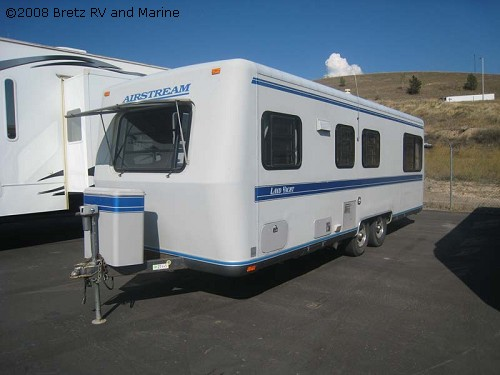 Click image for larger version  Name:02_21445_Airstream1992 26ft squarestream 3.jpg Views:91 Size:42.1 KB ID:78776