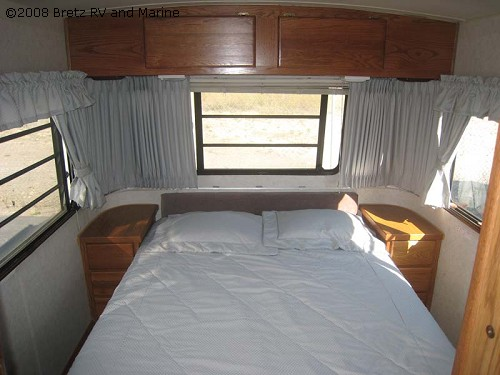 Click image for larger version  Name:11_21445_Airstream1992 26 ft squaresream 8.jpg Views:117 Size:48.1 KB ID:78778