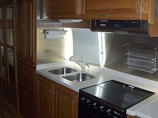 Click image for larger version  Name:Kitchen area.jpg Views:91 Size:30.7 KB ID:79188