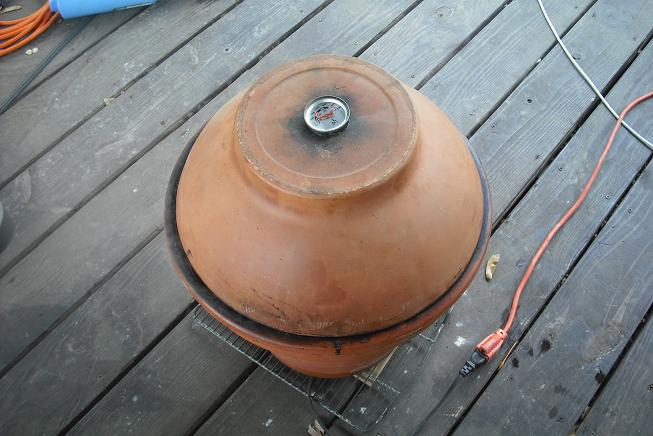 Click image for larger version  Name:in da smoker.JPG Views:80 Size:51.7 KB ID:79434