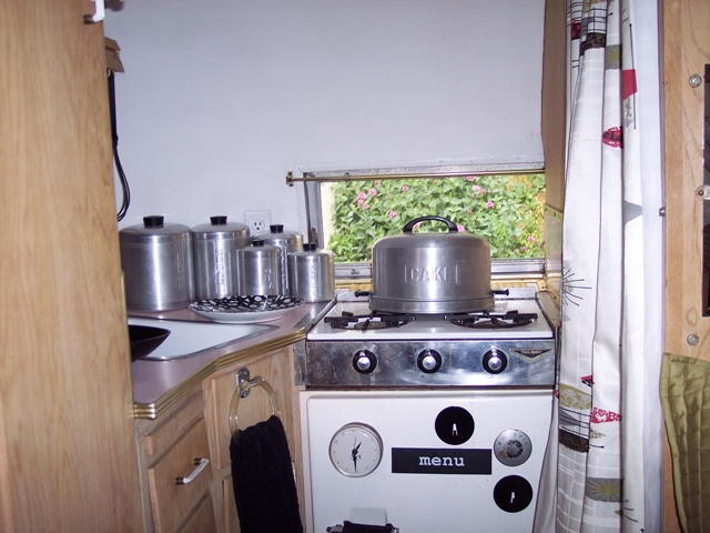 Click image for larger version  Name:Kitchen 1.jpg Views:111 Size:117.6 KB ID:79539