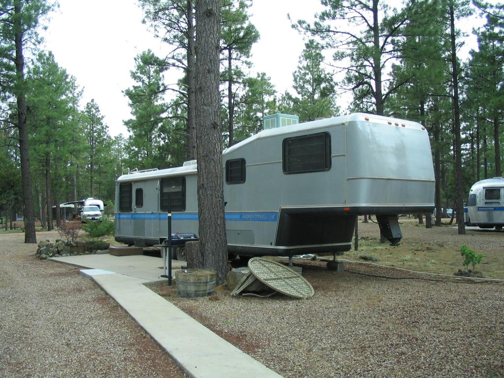 Click image for larger version  Name:SQUARESTREAM 5th WHEEL Show Low.jpg Views:155 Size:182.9 KB ID:79627