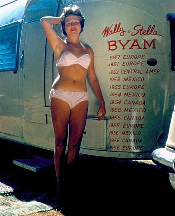 Click image for larger version  Name:WallyTrailer-Bikini-47ed6922.jpg Views:195 Size:106.0 KB ID:79696