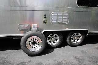 Click image for larger version  Name:Tires 1.jpg Views:178 Size:121.7 KB ID:79757