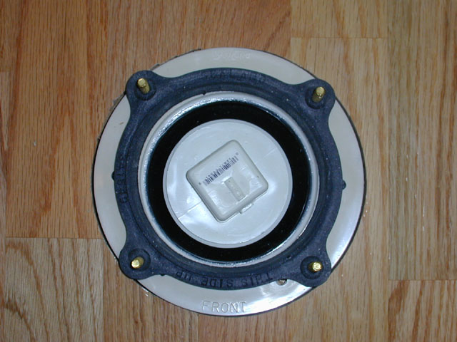 Click image for larger version  Name:SeaLand Universal Mounting Kit_Installed.jpg Views:269 Size:74.9 KB ID:8066