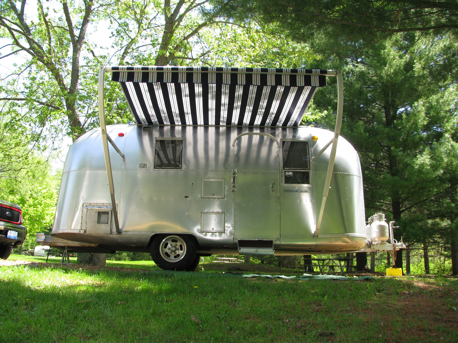Awning Stuck In The Rail Airstream Forums