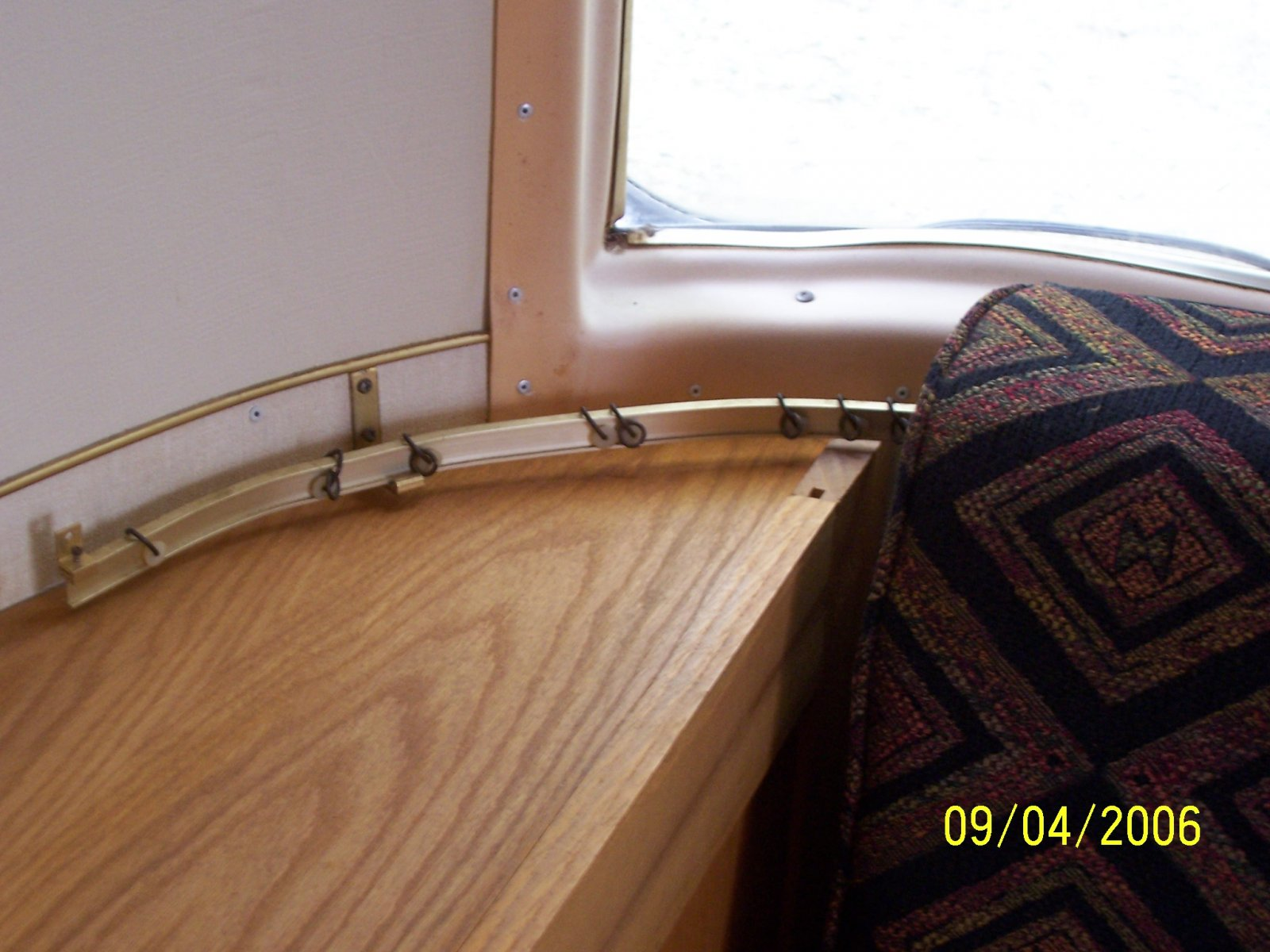 Click image for larger version  Name:69 curtain rail.jpg Views:96 Size:214.1 KB ID:81865