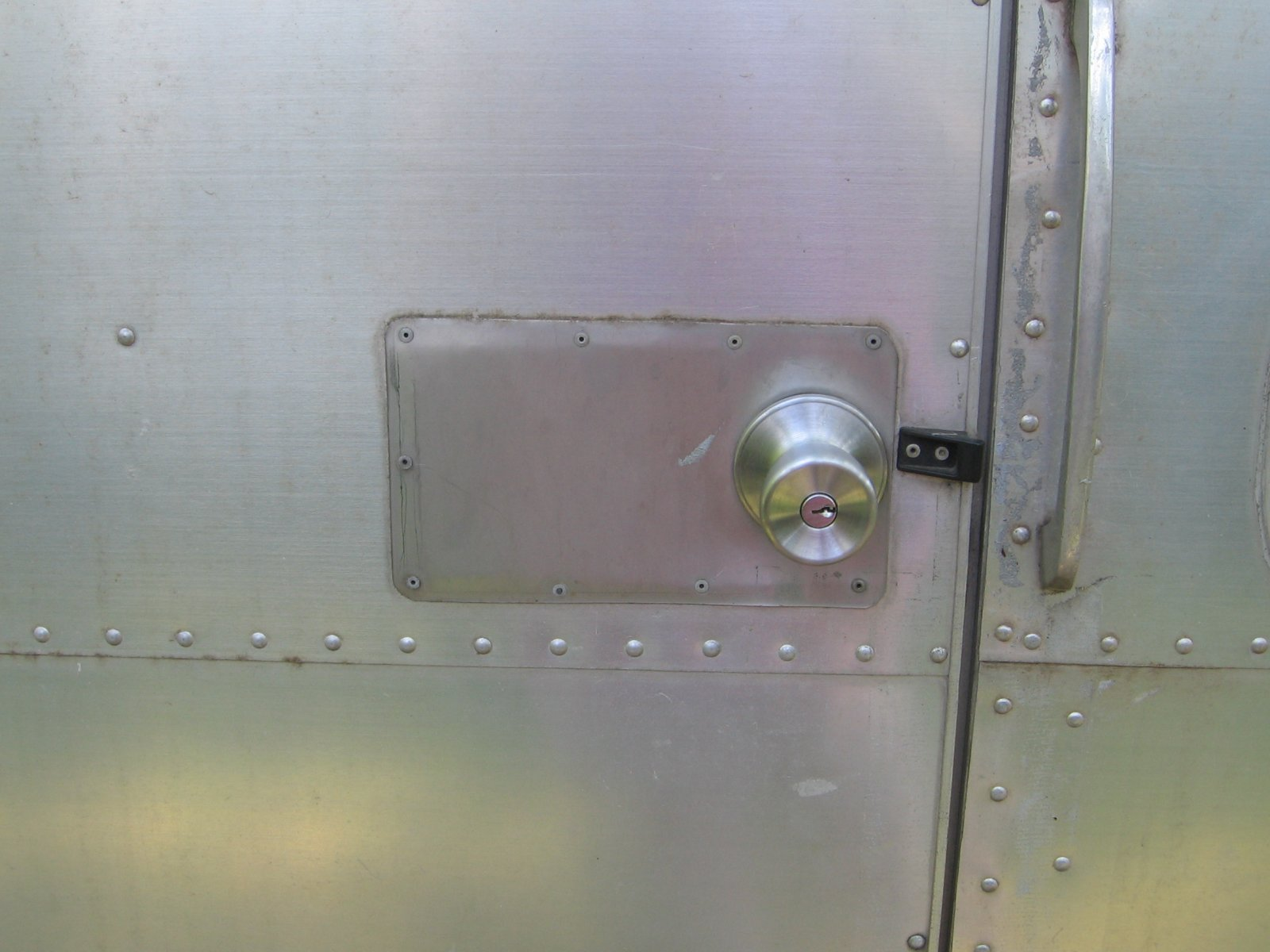 Click image for larger version  Name:old lock 01.jpg Views:568 Size:186.3 KB ID:82340