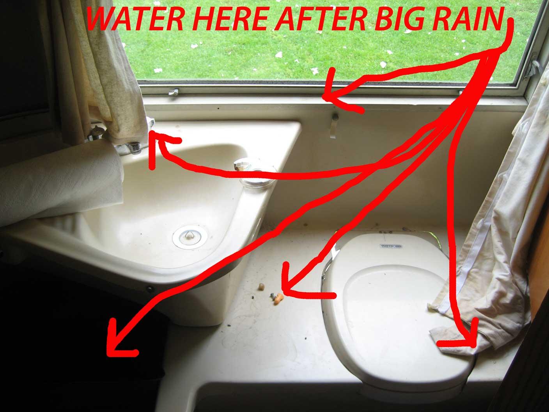 Click image for larger version  Name:64-Globetrotter-wet-interior.jpg Views:70 Size:110.1 KB ID:82625