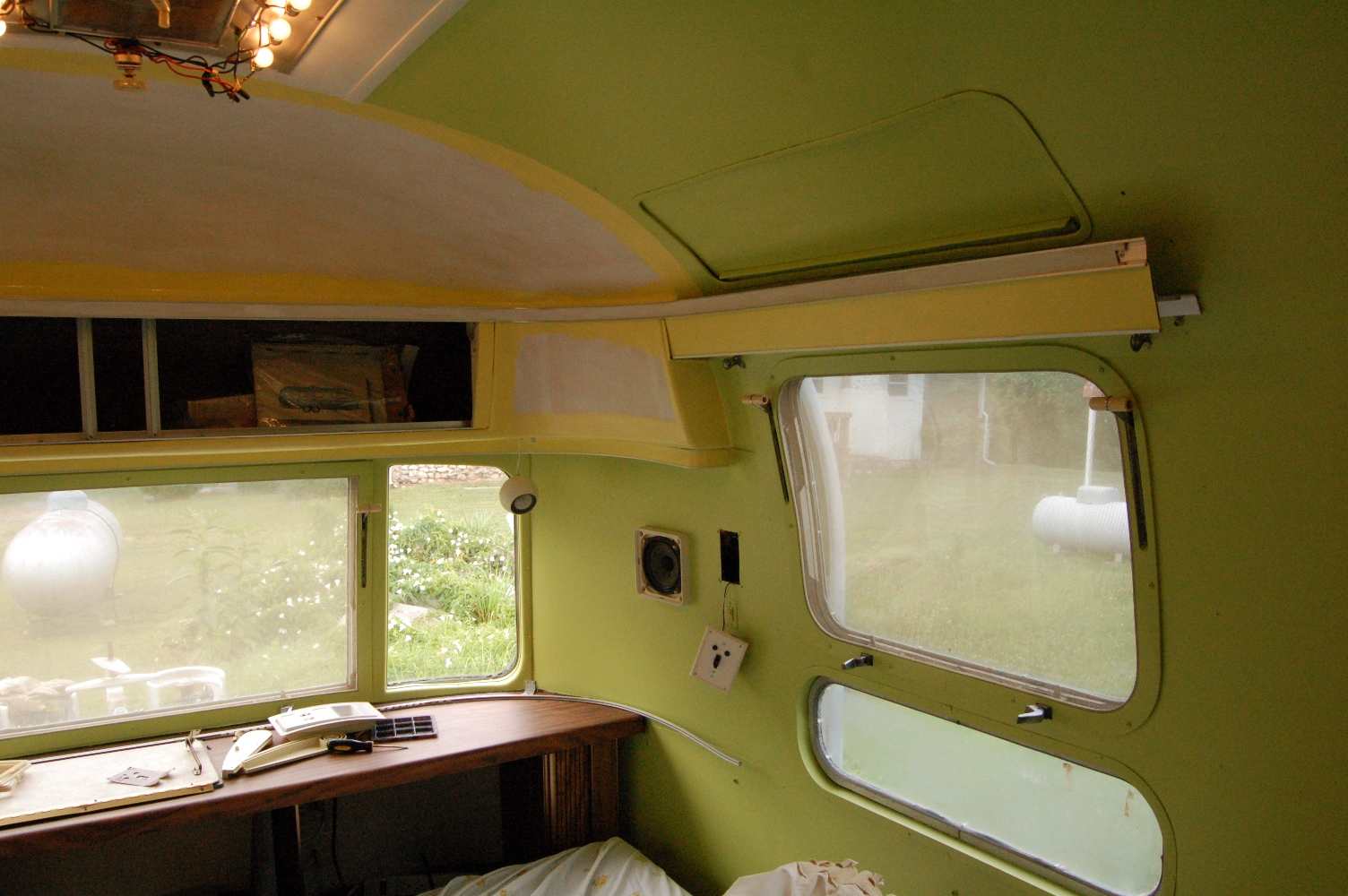 Click image for larger version  Name:Airstream Inside 003_small.jpg Views:68 Size:718.1 KB ID:82855