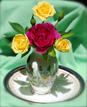 Click image for larger version  Name:Roses1.jpg Views:56 Size:127.1 KB ID:82874