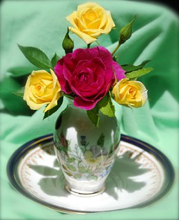 Click image for larger version  Name:Roses1.jpg Views:76 Size:127.1 KB ID:82874