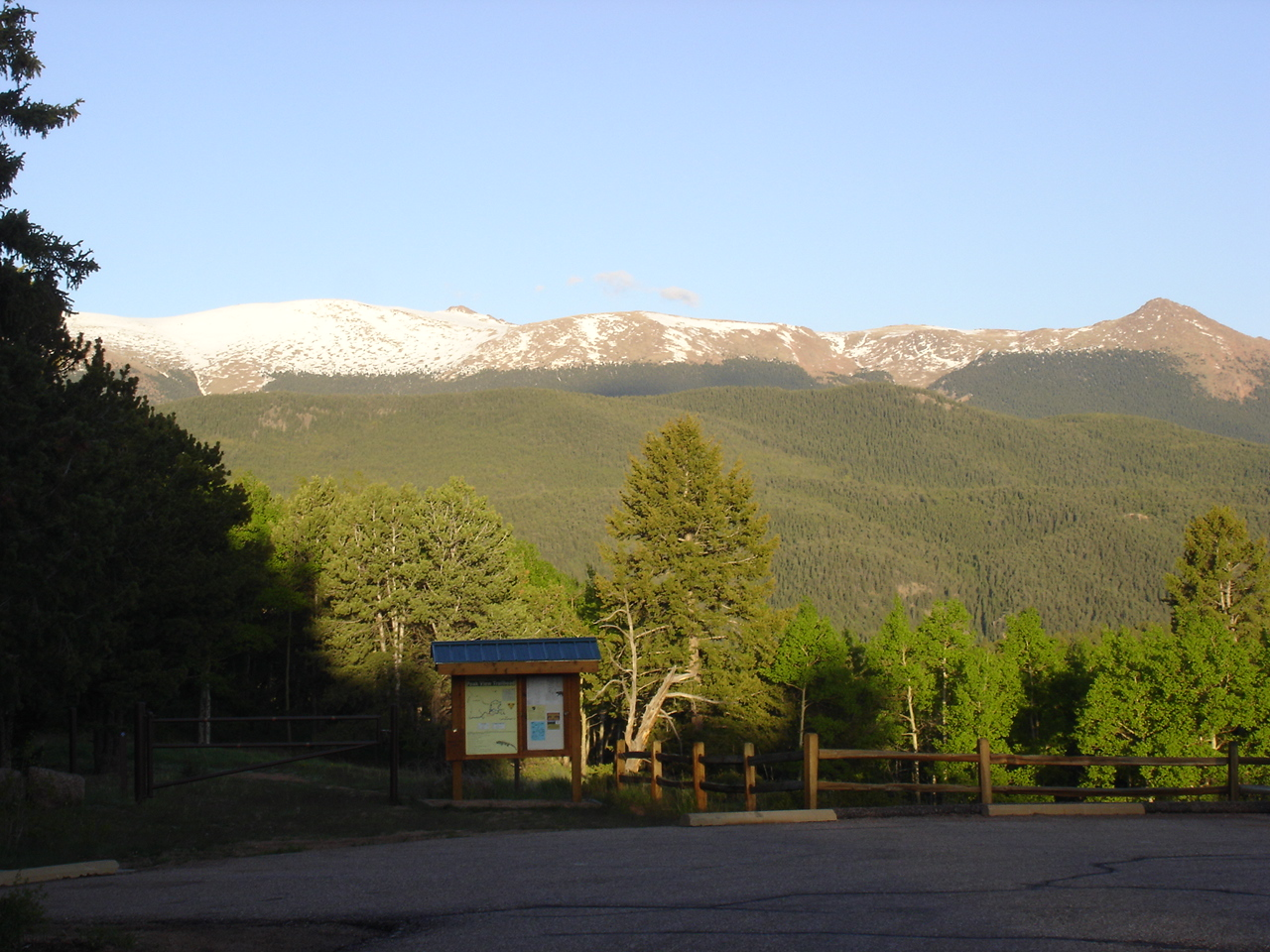Click image for larger version  Name:View of back of Pikes Peak from Mueller.jpg Views:78 Size:620.7 KB ID:84431