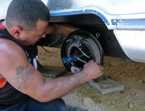 Click image for larger version  Name:brake job m.jpg Views:101 Size:62.8 KB ID:85231