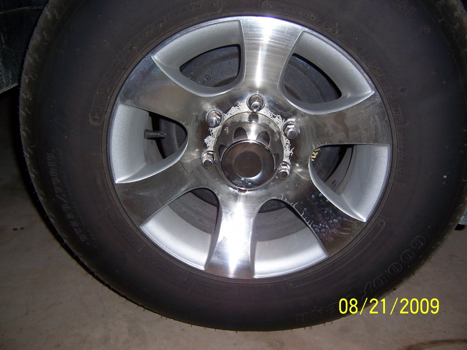 Click image for larger version  Name:Wheels09 005.jpg Views:70 Size:235.1 KB ID:85848