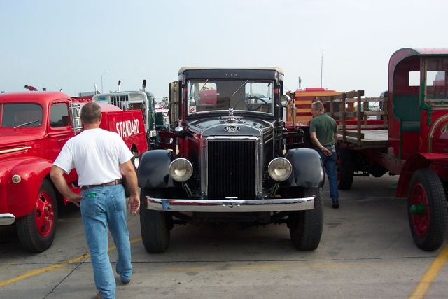 Click image for larger version  Name:truck 2.jpg Views:71 Size:47.7 KB ID:86052