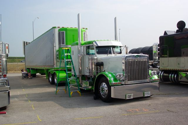 Click image for larger version  Name:truck 3.jpg Views:75 Size:48.3 KB ID:86053