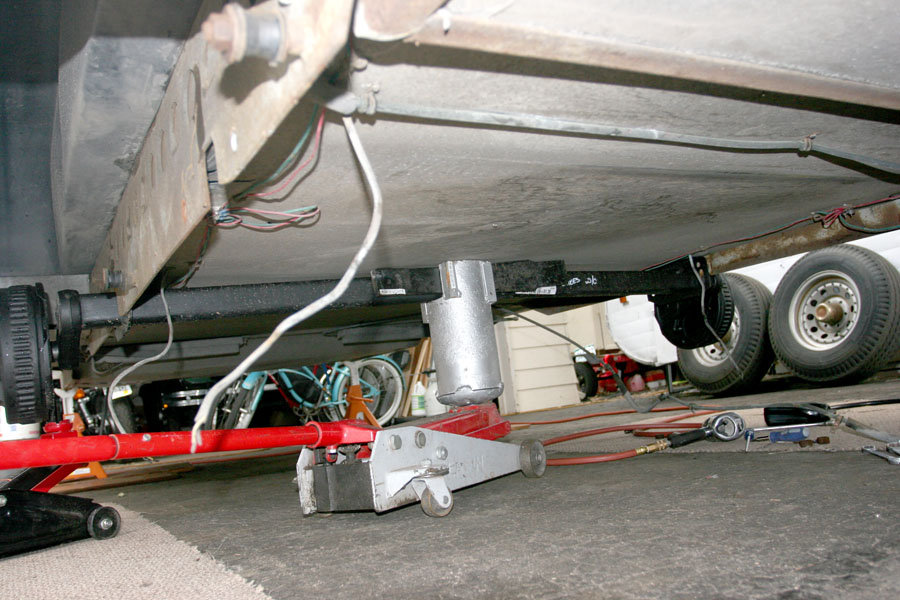 Click image for larger version  Name:IMG_9963 initial axle lift-s.jpg Views:204 Size:163.1 KB ID:86178