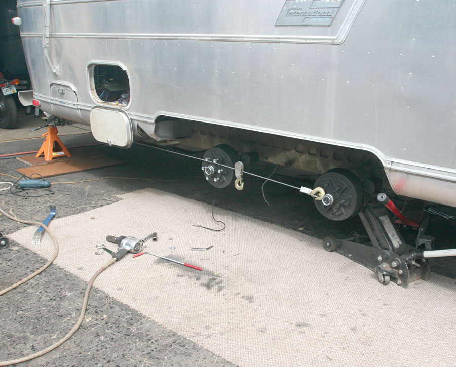 Click image for larger version  Name:IMG_9965 skewing axle-s.jpg Views:156 Size:176.9 KB ID:86182