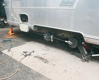 Click image for larger version  Name:IMG_9965 skewing axle-s.jpg Views:206 Size:176.9 KB ID:86182