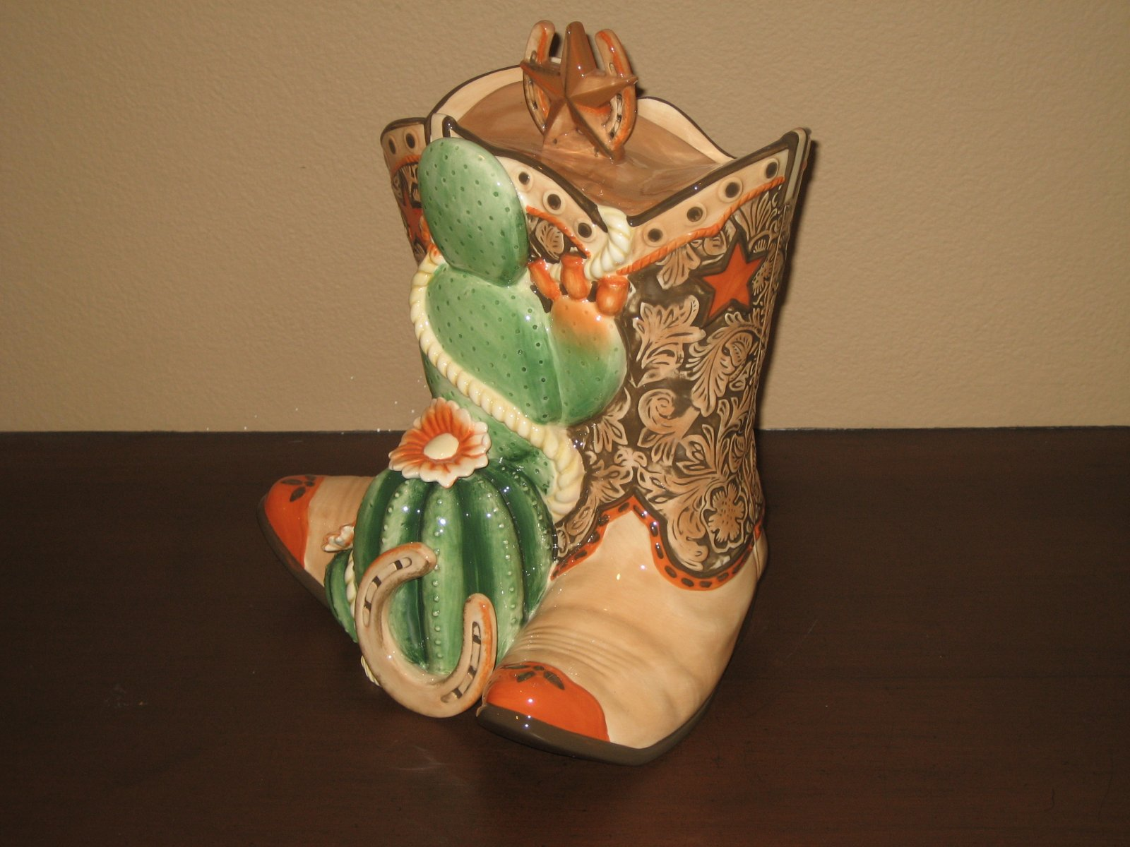 Click image for larger version  Name:Country Boot Cookie Jar 006.jpg Views:63 Size:223.2 KB ID:86257