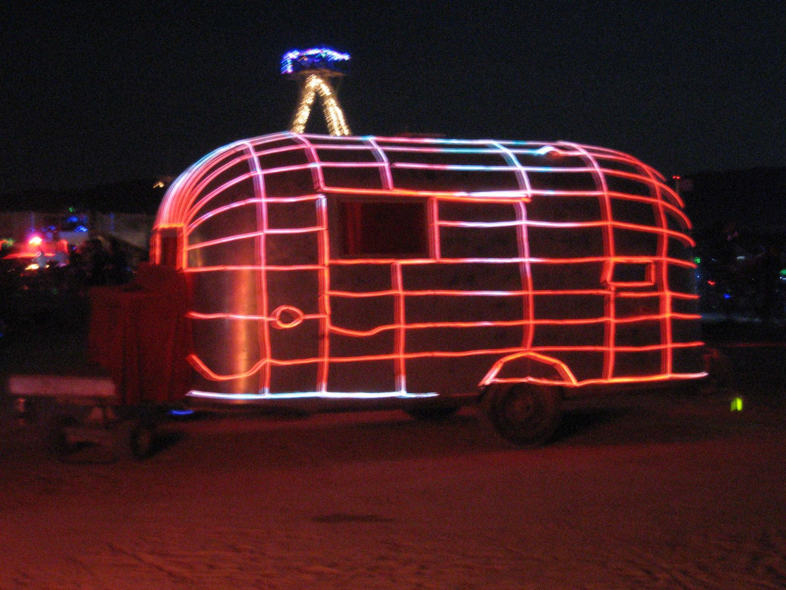 Click image for larger version  Name:PlayaAirstream.jpg Views:58 Size:404.3 KB ID:87233