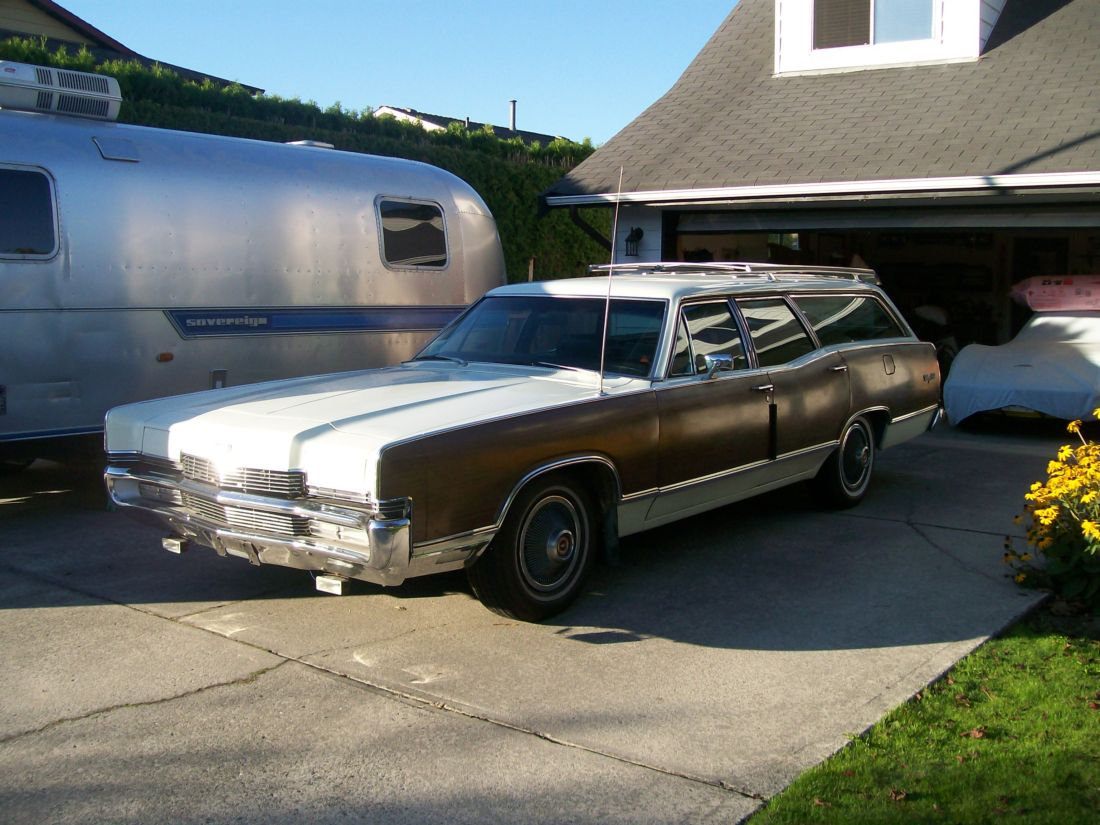 Click image for larger version  Name:1969 Mercury Marquis Colony Park Wagon (Sept 11, 2009) b small.jpg Views:101 Size:155.8 KB ID:87702