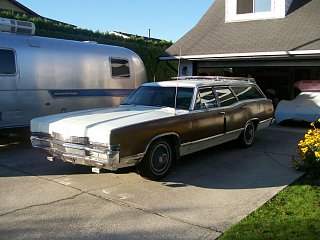 Click image for larger version  Name:1969 Mercury Marquis Colony Park Wagon (Sept 11, 2009) b small.jpg Views:159 Size:155.8 KB ID:87702