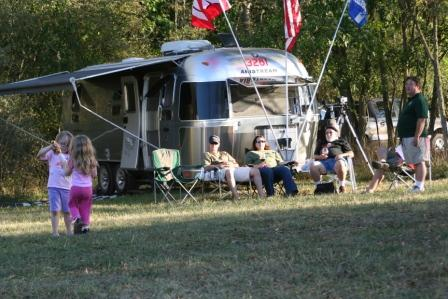Click image for larger version  Name:Airstreams in the wild 098.JPG Views:52 Size:52.4 KB ID:87877