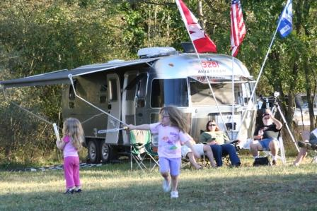 Click image for larger version  Name:Airstreams in the wild 099.JPG Views:67 Size:55.7 KB ID:87878