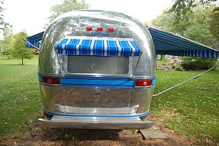 Click image for larger version  Name:Rear finished with awning deployed.jpg Views:344 Size:129.7 KB ID:88666