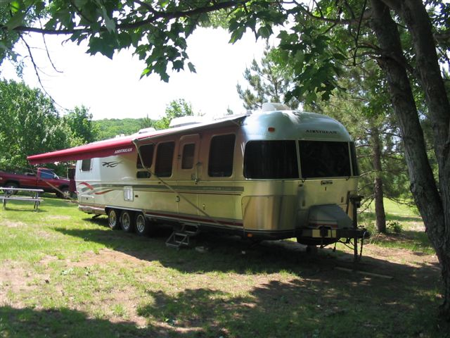 Click image for larger version  Name:Airstream_exterior.jpg Views:84 Size:81.2 KB ID:89020