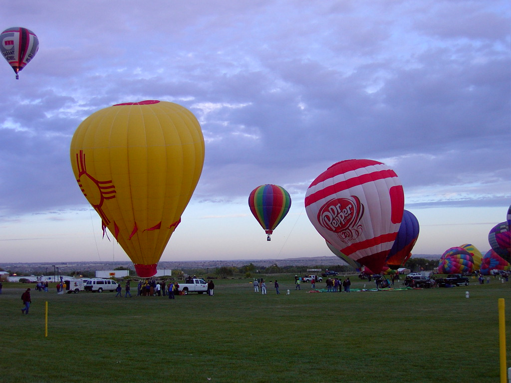 Click image for larger version  Name:2009BalloonFiesta-4 034.JPG Views:60 Size:190.6 KB ID:89079