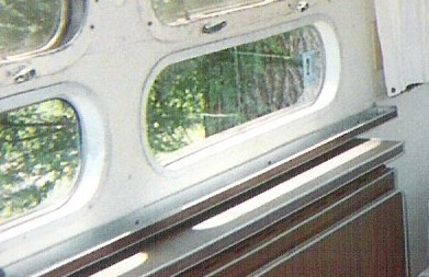 Click image for larger version  Name:71 window tray.jpg Views:74 Size:35.6 KB ID:89156