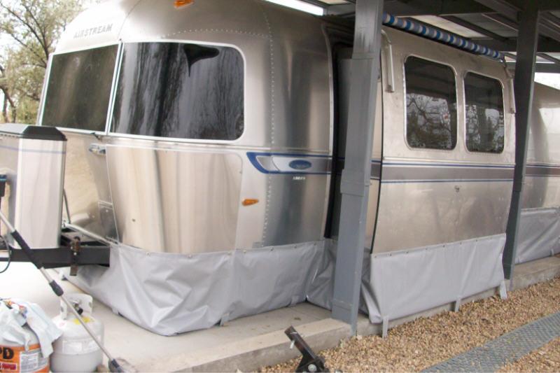 Click image for larger version  Name:airstream skirting 09 1lrg.jpg Views:641 Size:70.2 KB ID:90168