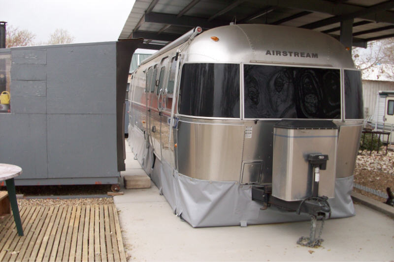 Click image for larger version  Name:airstream skirting 09 2lrg.jpg Views:218 Size:63.0 KB ID:90169